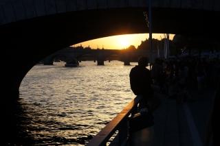 Paryskie Plaże o zachodzie słońca