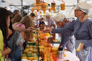 Sprzedawczynie serów w Alkmaar