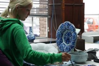 Delft - malarz przy pracy