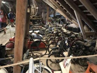Motocykle na strychu w Egeskov